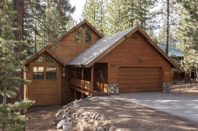 Tahoe Donner home with great room and gourmet kitchen for sale