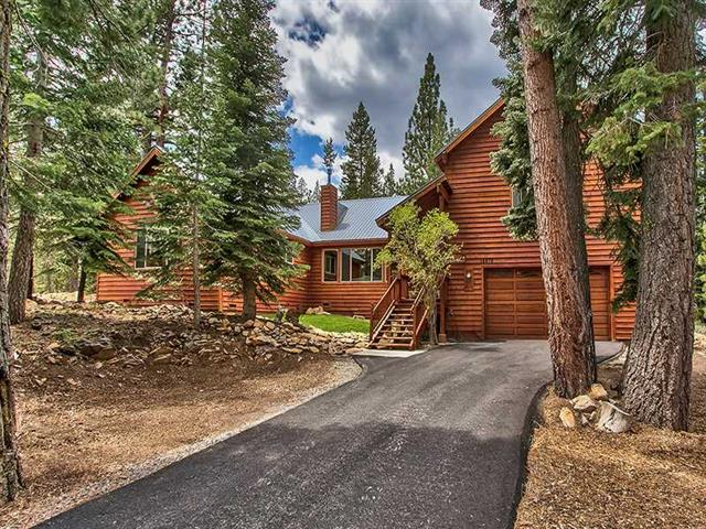 Tahoe Donner: Many Upgrades with Spacious Master Suite