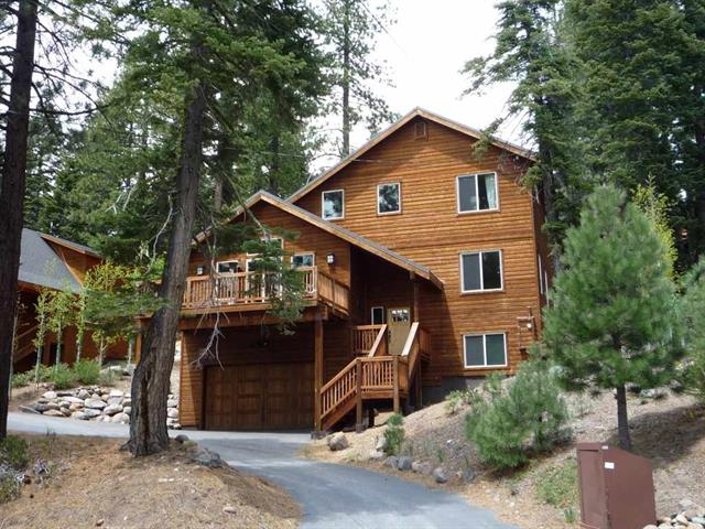Tahoe Donner Beautiful Home on a Quiet Street