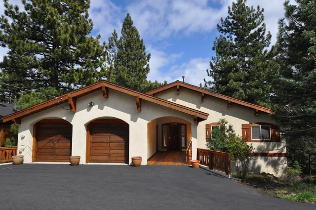 Tahoe Donner Home with High Quality Finish and Design