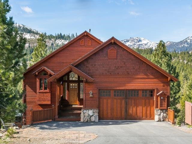 Tahoe Donner 5-Bedroom with All Day Sun & Views