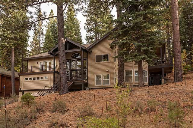 Northstar Home - Quiet Location with Vaulted Ceilings