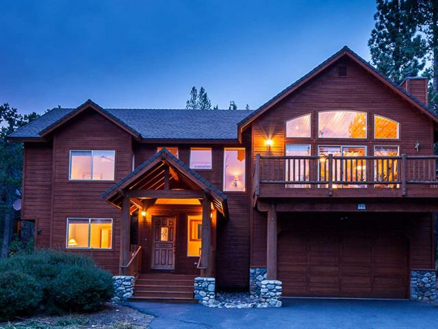 Squaw Valley - Sunny Home with Painted Rock Views