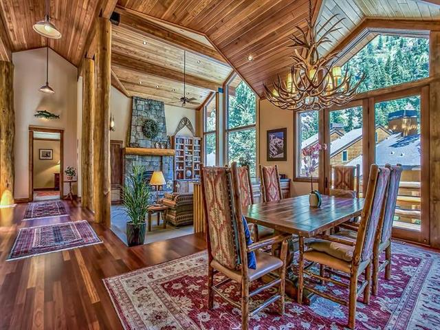 Alpine Meadows Home by River Ranch and Truckee River